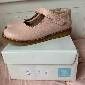 NIB 13 pink elephantio shoes